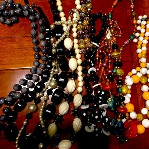 Lot of 8 Vintage beadednecklaces